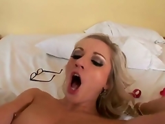 Jordan Ash gives playful Kylee Reeses mouth a try in oral pleasure action