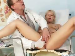 Mature Romana gynochair snatch speculum scrutiny by gyno doctor