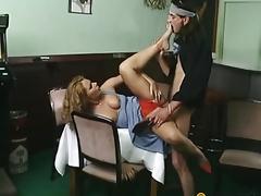 Guy fucks floozy in her vagina